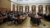 După ore de dezbateri şi multiple pauze, vicespeakerul a încheiat şedinţa de astăzi a Parlamentului. Săptămâna viitoare deputaţii nu vor munci