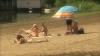 Mai mulţi oameni au ales să-şi petreacă ultima zi din vacanţa de Paşti pe plaja de la Vadul lui Vodă