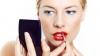 Atenţie! Rujurile şi luciurile de buze conţin metale toxice, care pot provoca tumori stomacale