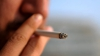 Moldovenii nu renunţă la fumat. Viciul e răspândit cel mai mult printre adolescenţi
