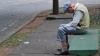 Investigaţie: Escrocii imobiliari aruncă oamenii în stradă din casa în care au locuit o viaţă, iar unii notari devin complici