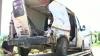 (VIDEO) Şoferi care îşi caută moartea! Încă un microbuz a fost LOVIT de tren pe o trecere de cale ferată