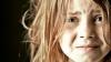 Reportaj despre bonele care îi traumatizează pe cei mici. La ce trucuri recurg acestea pentru a calma copiii VIDEO