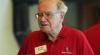 Privilegiul de a lua masa cu Warren Buffet a fost vândut la licitaţie cu peste un milion de dolari