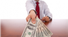 Cum poţi negocia un salariu mai mare. Cercetătorii îţi dezvăluie secretul