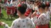 (VIDEO) Chef de zile mari la Văratic: Localnicii au sărbătorit hramul satului la iarbă verde