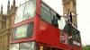 """Un iluzionist a """"plutit"""" pe străzile din Londra VIDEO"""