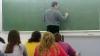 Un profesor universitar din Bălţi, BĂNUIT de abuz sexual şi implicare în 17 cazuri de corupţie