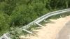 Traseu cu parapete distruse. Autorităţile aşteaptă bani pentru reparaţii de la şoferii care comit accidente