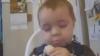 Băieţelul care mănâncă banane prin somn VIDEO