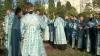 Enoriaşii şi slujitorii bisericii au pornit în tradiţionalul Drum al Crucii. Ei vor sfinţi hotarele Chişinăului (VIDEO)