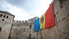 """Drapelul Republicii Moldova, arborat pe Cetatea Sorocii. """"Trebuie să ne mândrim cu tricolorul, imnul şi ţara noastră"""" FOTO"""