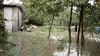 Majoritatea moldovenilor nu-şi asigură bunurile, chiar dacă ploile îi lasă fără case şi culturi agricole