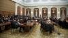 """Chef de zile mari la ultima şedinţă a Legislativului, unde unii deputaţi au servit alcool. """"Au trăsnit o sticlă de coniac!"""""""