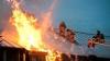 Incendiu la Ciocana: Arde acoperişul unei firme