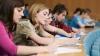 Guvernul României va acorda tinerilor moldoveni, în acest an, cu 500 de burse mai mult