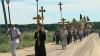 """Sute de enoriaşi au mers azi într-un Drum al Crucii şi al Pocăinţei. """"Este important pentru depăşirea problemelor care există în Moldova"""""""