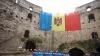 """Campania """"Eu sunt Moldova"""": Publika TV a arborat drapele uriaşe în cinci localităţi din ţară (VIDEO)"""