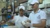 Reportaj CNN despre un magazin de îngheţată din Siria, care obţine profit chiar şi în vreme de război