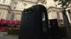 Lăzi de gunoi SPION: Adună informaţii despre trecători şi telefoanele lor