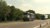 Peste 200 de camioane de mare tonaj, oprite de inspectorii de patrulare. Au încălcat indicaţiile impuse de Ministerul Transporturilor şi cel de Interne
