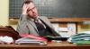 Mii de profesori, nevoiţi să predea discipline la care nu se pricep, pentru a primi un salariu complet