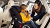 Pun în pericol viaţa copiilor şi îi transportă fără scaune auto speciale, iar poliţia nu-i poate amenda