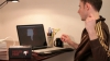 Şocurile electrice - soluţie pentru dependenţa de Facebook (VIDEO)