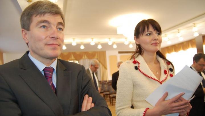 Carpov şi Ştanski se întâlnesc la Chişinău, pentru a pune la cale o întrevedere dintre Leancă şi Şevciuk