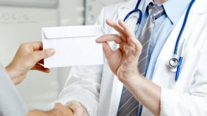 CNA şi CNAM fac front comun împotriva corupţiei din medicină
