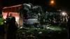 Două autocare s-au lovit frontal în România: Şoferii au murit, iar zeci de persoane au fost rănite