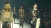 Sclipiri de aur la Săptămâna Modei de la Paris. Dries Van Noten a prezentat colecţia de primăvară-vară 2014