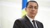 Premierul român Victor Ponta a primit un săculeţ cu bani în timp ce ţinea un discurs (VIDEO)