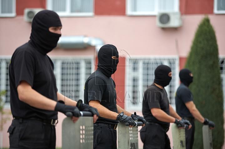 """Echipamente noi de antrenamente pentru cei de la """"Fulger"""", din partea Ambasadei SUA în Moldova GALERIE FOTO"""