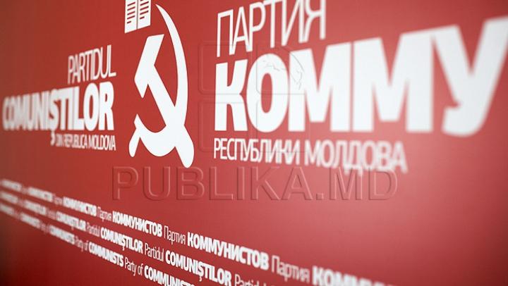 Numele deputaţilor PCRM care, potrivit MAI, au încercat să împiedice mersul anchetei în cazul tânărului comunist cu grenade în casă