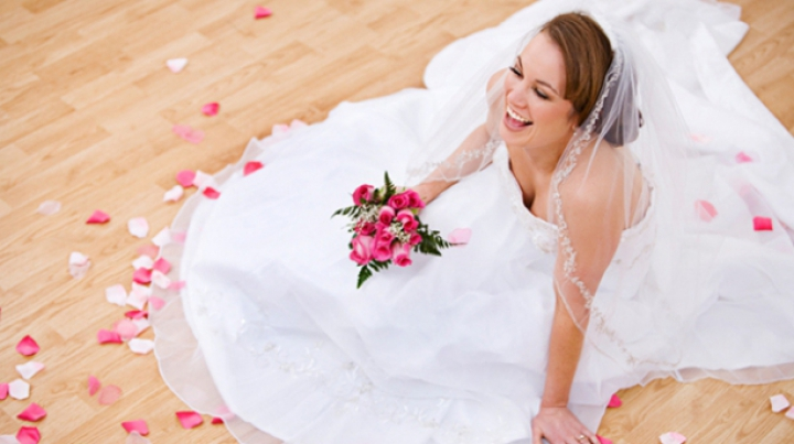 Te pregăteşti de nuntă? IATĂ rochia de mireasă ideală pentru tine, în funcţie de zodie
