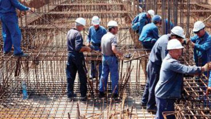 Mii de moldoveni care lucrează în Rusia au fost deportaţi în patrie