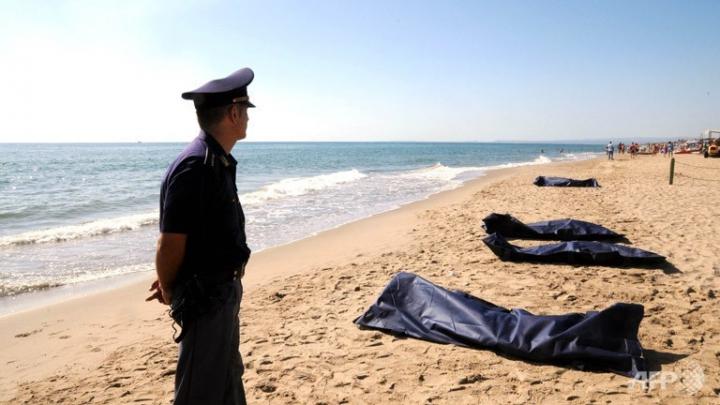 TRAGEDIE în Italia: Cel puţin 13 imigranţi s-au înecat pe coasta Siciliei