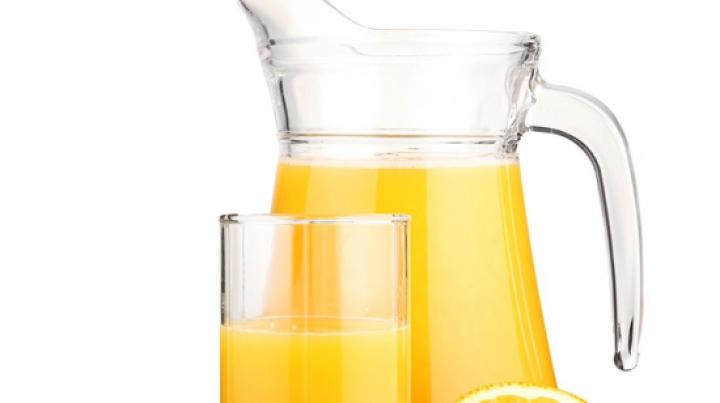 Consumaţi zilnic suc de portocale! Licoarea poate ajuta la prevenirea cancerului