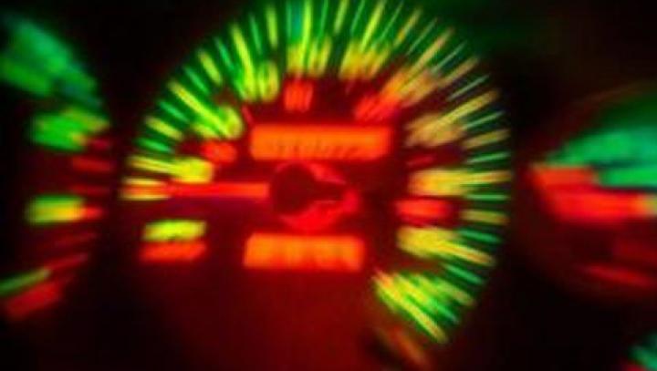 Combinaţie FATALĂ pe şosea: Aproape 200 de km/h, alcool în sânge și arme de foc pe bancheta din spate