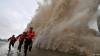 Două taifunuri au măturat totul în cale după ce au lovit Japonia şi China (VIDEO)
