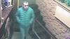 ÎL RECUNOAŞTEŢI? Acest bărbat este căutat de poliţie pentru ceea ce a făcut într-un bar din Chişinău (FOTO/VIDEO)