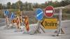 Fără ele călătoriile devin periculoase. Câte indicatoare rutiere ar trebui instalate pe drumurile din ţară (VIDEO)