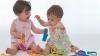 Piaţa, invadată de jucării PERICULOASE: Pot provoca alergii, răni şi chiar pot fi înghiţite de micuţi