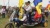 Vinul, cinstit la un festival regional: Locuitorii din mai multe sate au organizat o paradă, în frunte cu primarii VIDEO