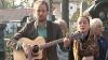 """Zeci de oameni i-au comemorat astăzi pe Ion şi Doina Aldea-Teodorovici. """"Au rămas în amintire prin cântecele emoţionante"""""""