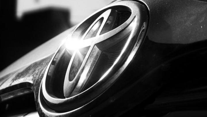 Toyota continuă să fie cel mai bine vândut constructor auto din lume