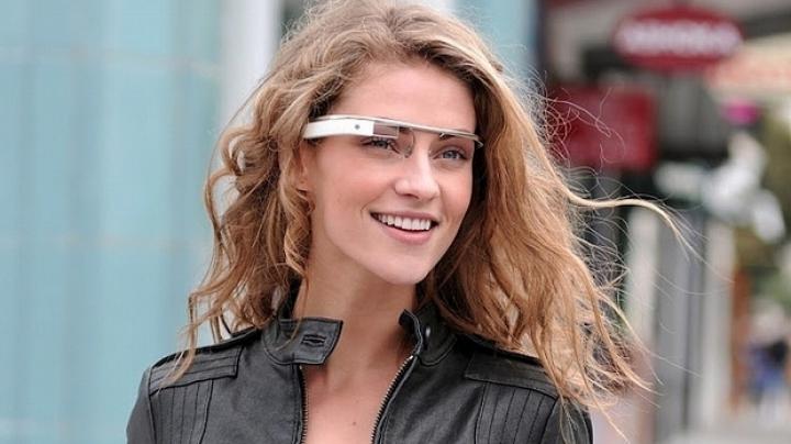Microsoft testează prototipuri pentru propria versiune de ochelari inteligenţi