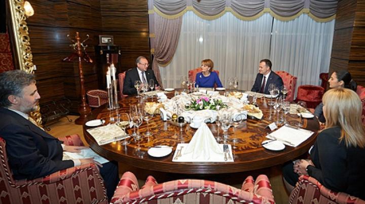 Candu, Palihovici şi Bodrug, la o masă cu Principesa Margareta și Principele Radu al României DETALII
