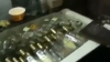 Băuturi contrafăcute, descoperite în capitală. Ce riscă fondatorii afacerii